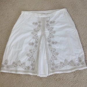 Old Navy Low Waist White Silver Skirt Size 2